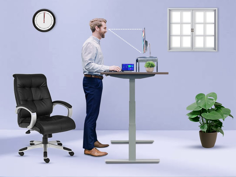 The Benefits of a Sit-Stand Desk on Your Posture